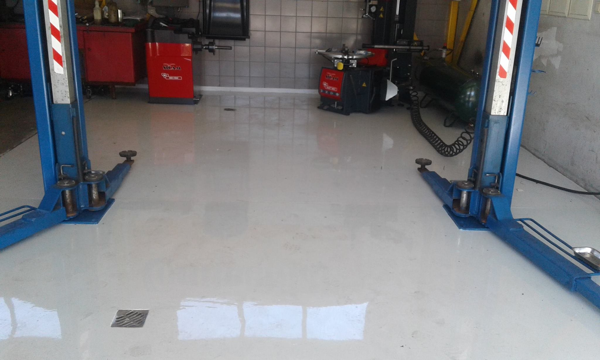 Epoksīda grīda autostāvvietām